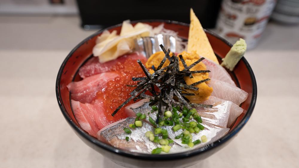 Dontaku restaurant in Toyosu fish market