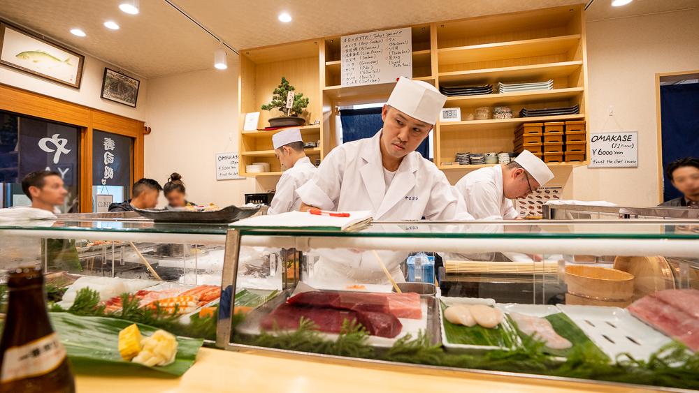 The best sushi shop Yamazaki in Toyosu fish market