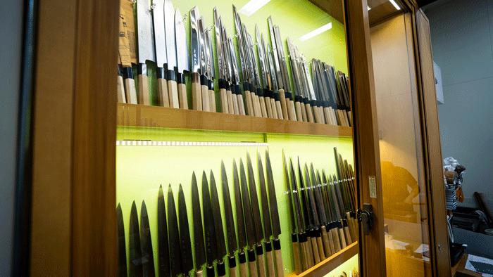 Knife shops in Toyosu Fish Market