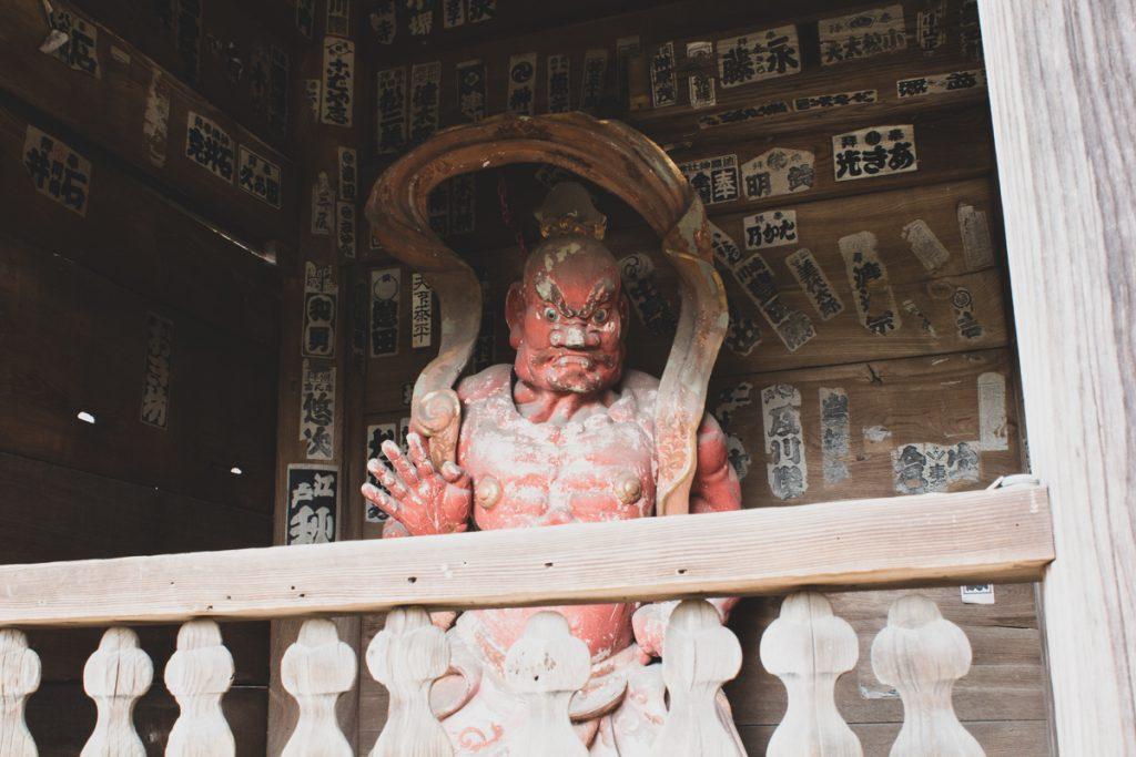 Sugimotodera temple statue Kannon in Kamakura