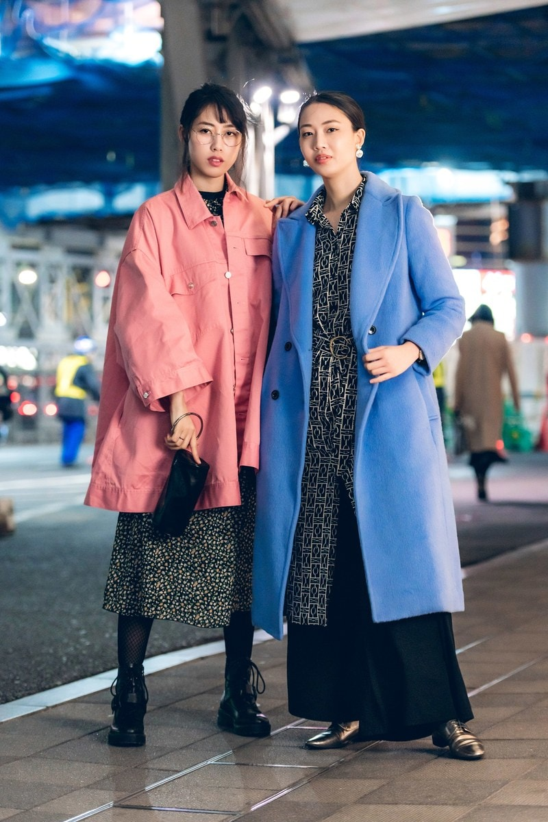 tokyo street fashion print under solid color coat
