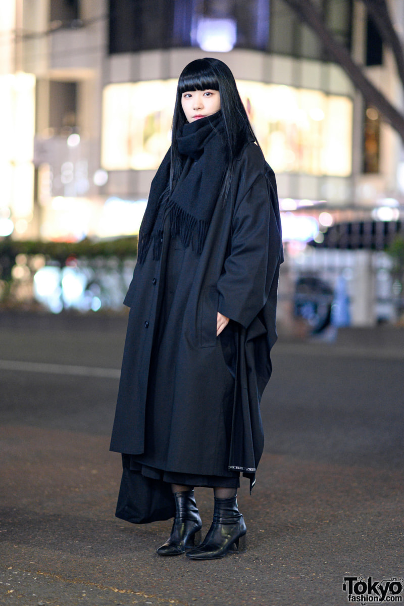 tokyo street fashion winter black layering
